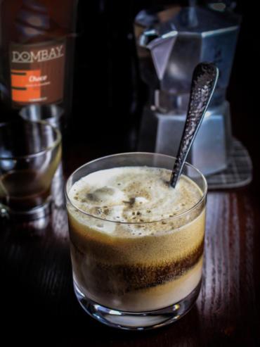 DOMBAY CAFÉ